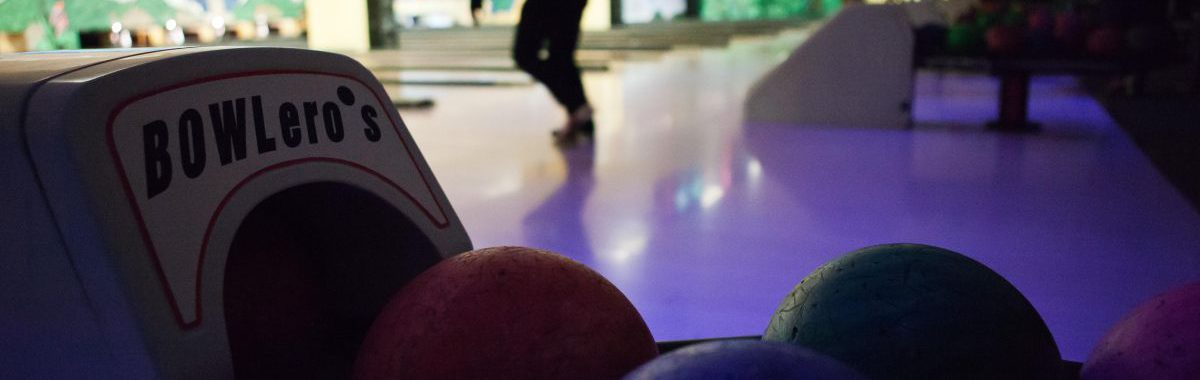 Kinder bowlen in Stralsund